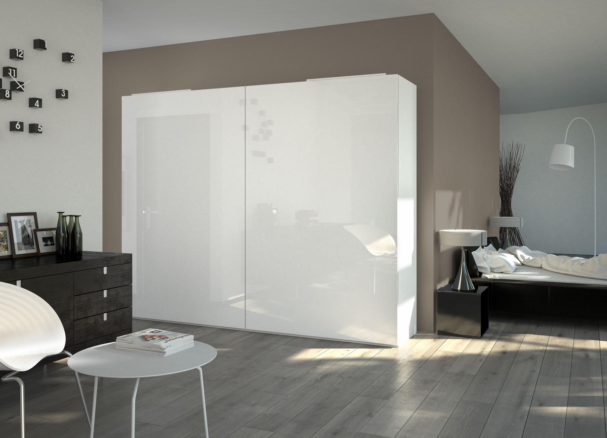 W InLine XL, aby otworzyć drzwi, wystarczy lekko pociągnąć za ich krawędź. Fot. Hettich