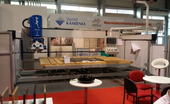 Na stoisku firmy Mekanika można było zobaczyć propozycje największych dostawców technologii  obróbki szkła. fot. Mekanika