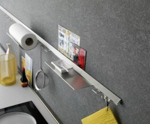 W ofercie firmy KAM relingi są dostępne w rozmiarach 600 i 900 mm wraz z całym zestawem do montażu. Fot. KAM