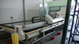 W zakładzie Szkło-Lux jest wiele nowoczesnych maszyn, w tym m.in. stół do rozkroju marki Genius, wszystkie zakupione na przestrzeni ostatnich lat od firmy MEKANIKA. fot. MEKANIKA