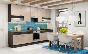 Cegiełka na ścianie kuchennej w kolorze? Czemu nie! To świetny sposób na ożywienie wnętrza. Spokojną tonację zabudowy meblowej KAMduo XL zestawiono z cegiełką w urzekającym niebieskim kolorze. Fot. KAM