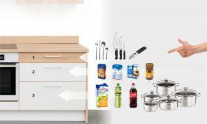 """Każda z szuflad ma inną wysokość, ponieważ przechowujemy w nich produkty i akcesoria różnej wysokości. Kierując się własnym stylem życia i oczekiwaniami wobec mebli kuchennych, można wybrać poszczególne moduły i z nich """"złożyć"""" swój własny zestaw. Fot. KAM"""