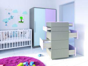 Nowoczesne meble dla dzieci powinny zaskakiwać nie tylko pięknym designem, ale i funkcjonalnością. Wygodne szuflady z pełnym wysuwem, nawet przy znacznym obciążeniu, nie wypadną z korpusu mebla. Ich bezawaryjną pracę zapewnia prowadnica Quadro. Fot. Hettich