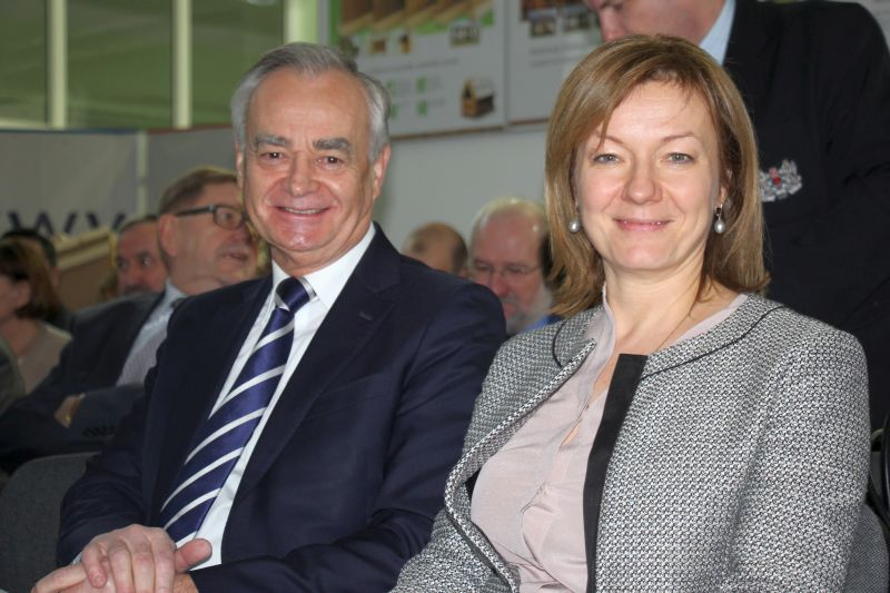 Inicjatorzy AKADEMII STEICO: Katarzyna Schramek, właścicielka firmy STEICO oraz Zbigniew Canowiecki, prezes zarządu stowarzyszenia Pracodawcy Pomorza. Fot.
