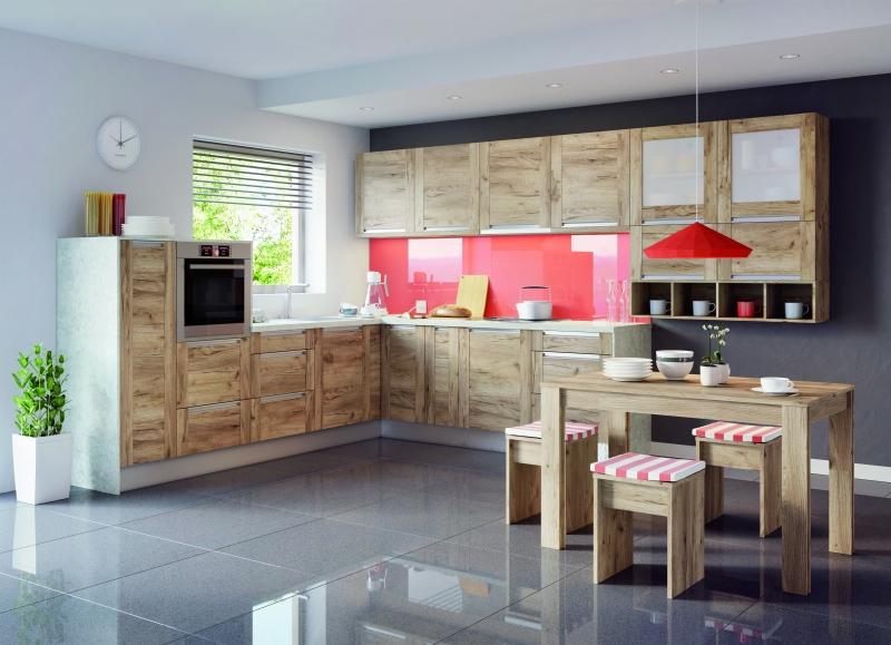 Zestaw mebli Olivia Soft z charakterystycznym wpuszczanym uchwytem jest dostępny w trzech przepięknych wzorach drewna: sosna Andersen, dąb Saint Tropez, a teraz także dąb złoty. fot. KAM