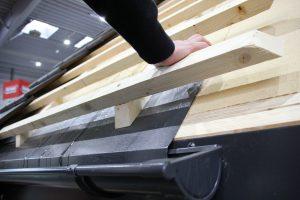 System dachowy STEICO to połączenie ekologii, efektywności energetycznej i bezpieczeństwa, o czym informowali zwiedzających obecni na stoisku eksperci firmy. Dodatkowym atutem jest łatwość montażu, ponieważ dach składa się z niewielu dopasowanych komponentów.